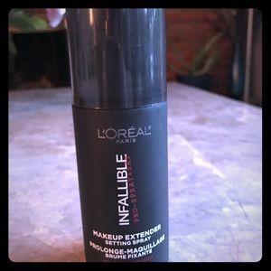 L'Oréal infallible Makeup setting spray -new